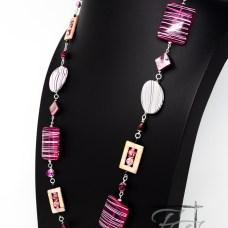 Bold and chunky pink chain necklace