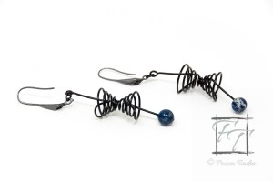 black coated copper wire lightcone and worldline earrings with lapis lazuli