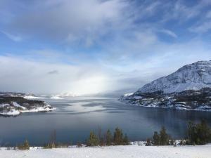 Richting Kåfjord, Finnmark, Noorwegen, Amundsen