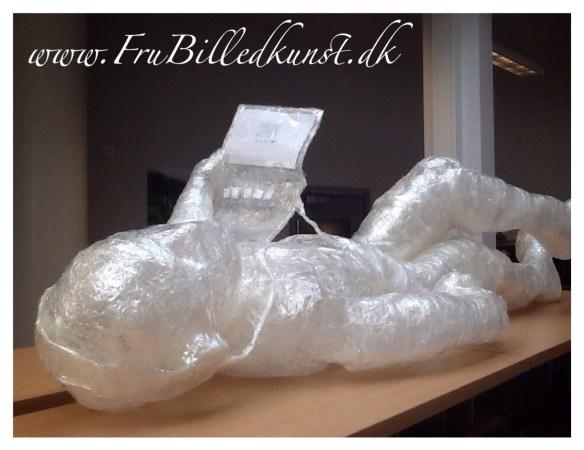 www.FruBilledkunst.dk - tape sculpture 4th grade