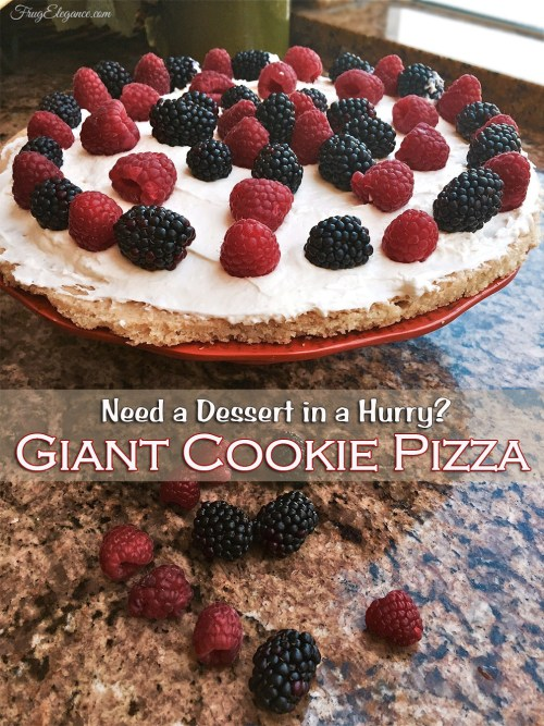Giant Cookie Pizza | www.frugelegance.com