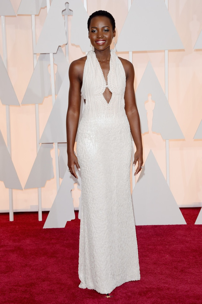 lupita-nyongo-embroidered-calvin-klein-dress-oscars-2015