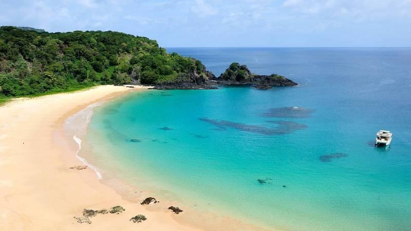 Baia do Sancho via CNN-Travel / Beach