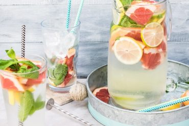 detox water lemon citrus