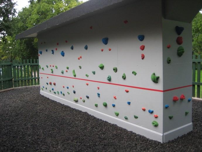 Traversing Wall