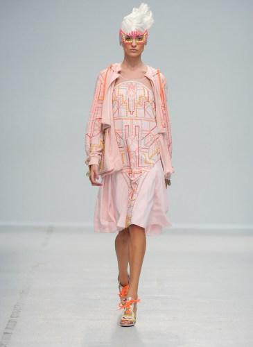 Pixelformula Manish Arora Womenswear Summer 2014 Ready To Wear Paris