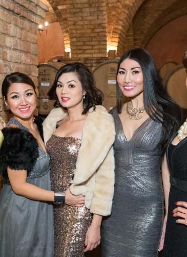 Tina Ha, Yen Nguyen, Quyen Vu, Jandy Dang, Nina Vao