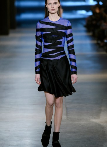 Christopher Kane AW15 Look 21