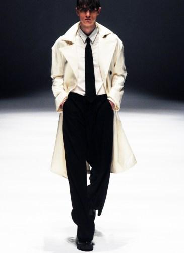 CHÂN VÁY HOA đủ mức giá giúp bạn mặc đẹp tới sở làm | aFamily