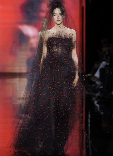 armani-prive-2014-fall-haute-couture-show58