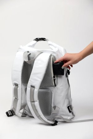 spinbag-pocket-for-wallet-white-backpack_1100x