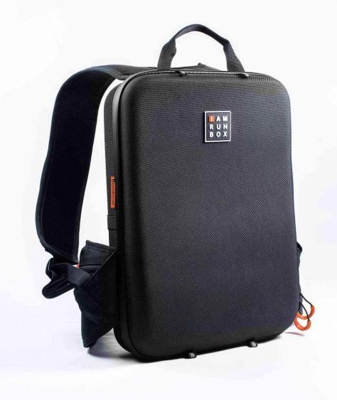 backpack-lite-black-running-to-work