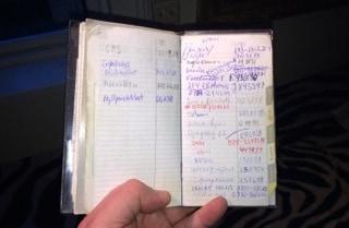 Förr i tiden, på 1900-talet, hade nästan alla människor en telefonbok av papper där de kunde skriva upp alla viktiga telefonnummer. Utan den kunde man inte ringa dit man ville.