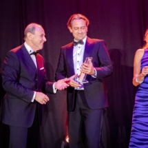 President Sante presents award to Polymount BV at the EFTA Benelux awards ceremony 2019.