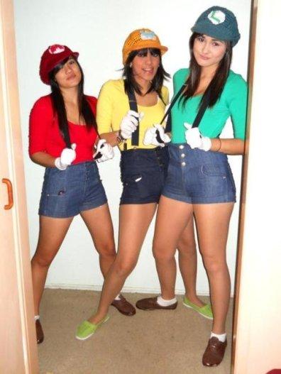 Female-Super-Mario-Bros-Cosplay-as-Mario-Wario-and-Luigi