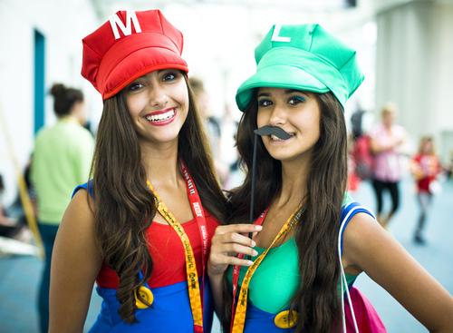 lady-mario-and-luigi-cosplay-photographed-by-onigun