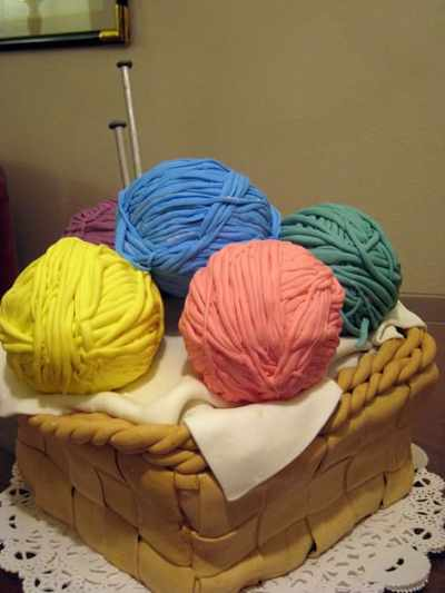yarn_basket_cake