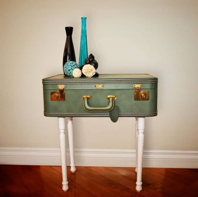 suitcase_table_main