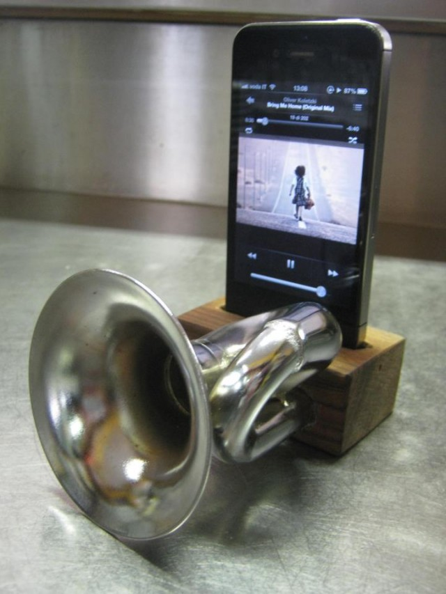 Docking Speakers Iphone 4