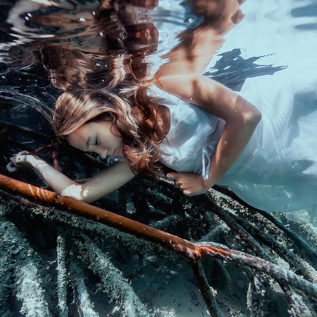 Underwater Portraits By Elena and Sacha Kalis