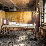 Striking Pictures of Abandoned Asylums in the US-17