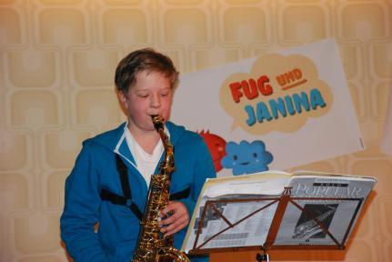 Unser Spezial-Gast spielt Saxophon.