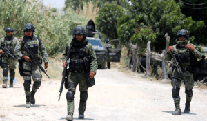 Mexican Army and Cartel Gunmen in Shootout in Laredo Caught on Camera
