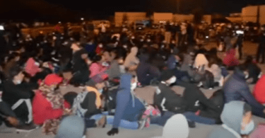 652 Migrants Rescued from 6 Semi-Trailer Trucks in Northern Mexico