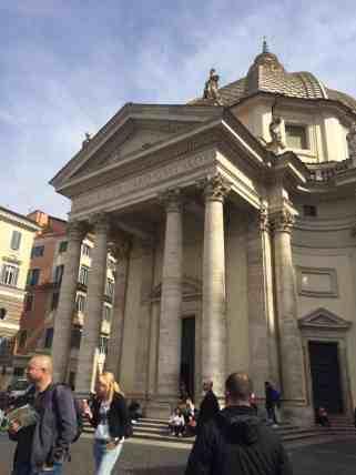 igrejas romanas - Igreja Santa Maria in Montesanto
