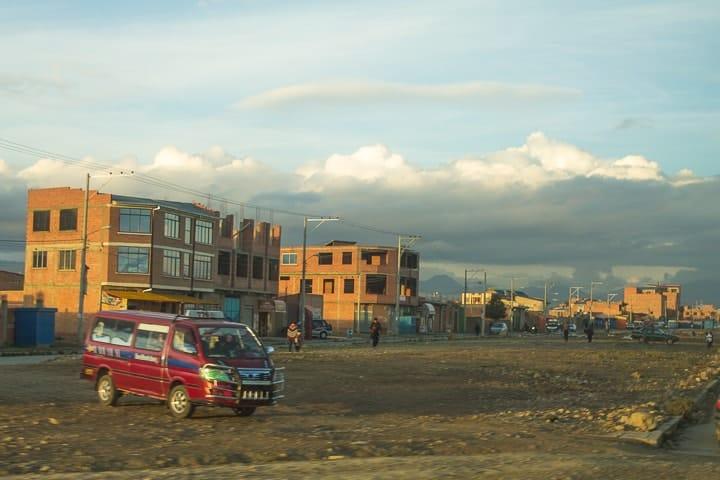 De ônibus de Copacabana a La Paz