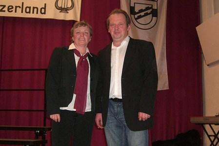 Auch in diesem Jahr gelang es dem Geschwisterpaar Petra Luft und Holger Eurich, sehr gut, durch das Programm zu führen. Holger Eurich fungierte auch als musikalischer Begleiter am Klavier.
