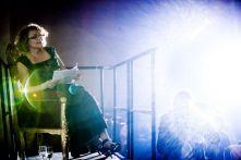 03_Die Filmproduzentin Marina Brokoli auf ihrem Balkon