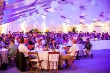 400 Gäste