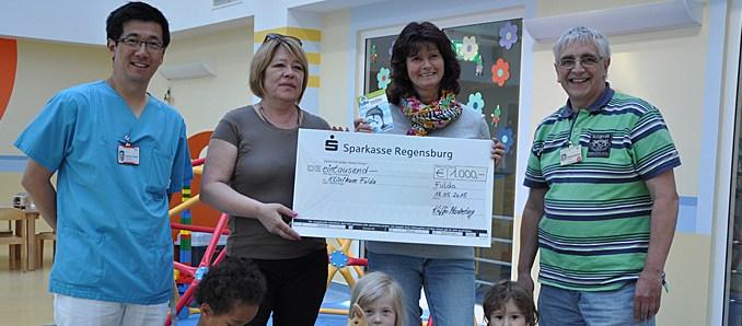 1.000 Kinderbücher und 1.000 Euro für die Kinderklinik des Klinikums ...
