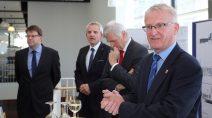 Staatssekretär Dr. Wolfgang Dippel überreicht Förderbescheid