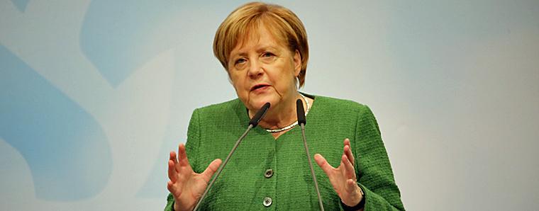 Merkel verteidigt Konjunkturpaket