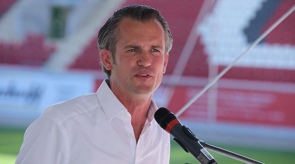 Dr. Felix Schwenke
