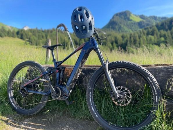 vélo-assistance-électrique-vtt-location-manigod