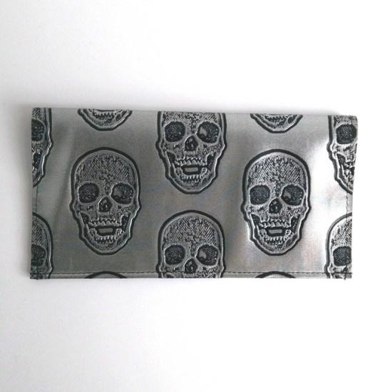 porte chequier skulls argent