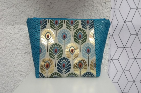 trousse t turquoise paon