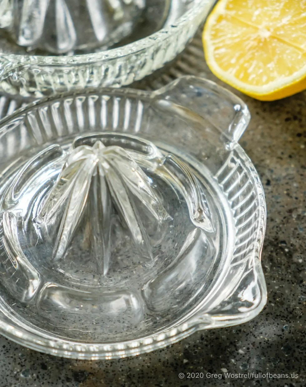 manual glass citrus juicer