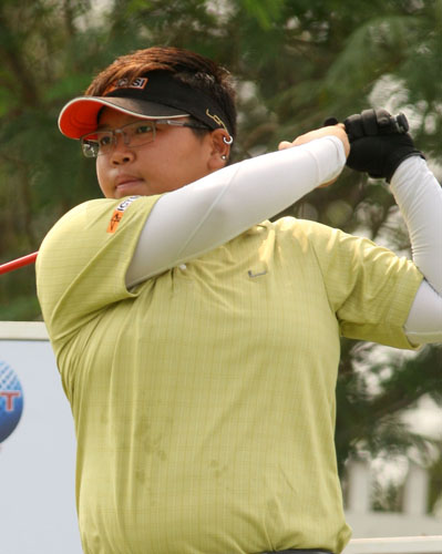 Hot-starting Ikeda takes charge with 69 at Orchard