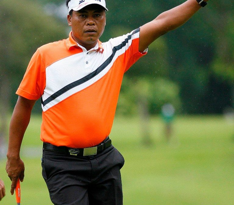 Salvador takes charge in the rain with 67 in Iloilo