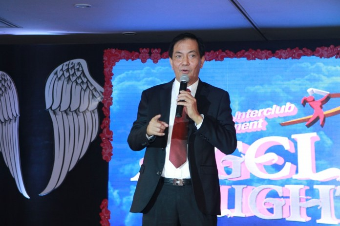 Cebu City Mayor Michael Rama entertained the participants with three song numbers.