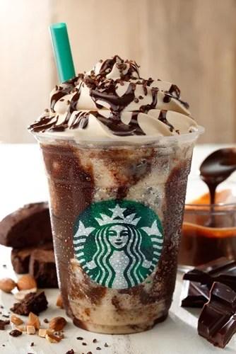 6/3から!スタバ (STARBUCKS) のひんやりとろけるチョコレートづくし「チョコレート クランチ フラペチーノ」が発売!
