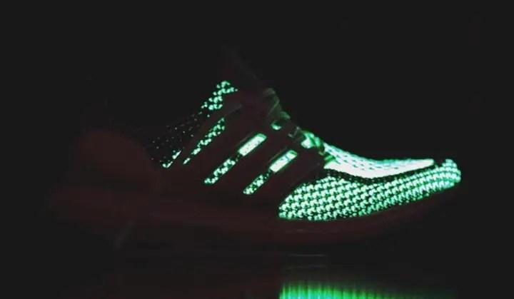 """暗闇で光るアディダス ウルトラ ブースト """"グロー イン ザ ダーク"""" (adidas ULTRA BOOST """"Glow in the Dark GID"""")"""