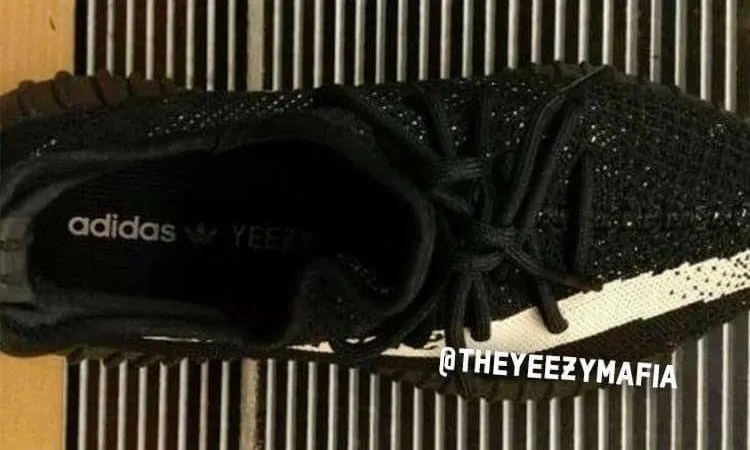 """海外11月発売予定!?アディダス オリジナルス イージー 350 ブースト V2 """"コアブラック/コアホワイト"""" (adidas Originals YEEZY 350 BOOST V2 """"Core Black/Core White"""") [BY1604]"""