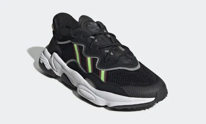 """アディダス オリジナルス オズウィーゴ """"ブラック/ソーラーグリーン"""" (adidas Originals OZWEEGO """"Black/Solar Green"""") [EE7002]"""