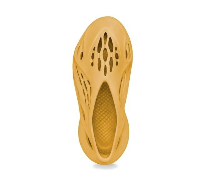 """【7月 発売】adidas YZY FOAM RUNNER """"Ochre"""" (アディダス イージー フォーム ランナー """"オーカー"""")"""