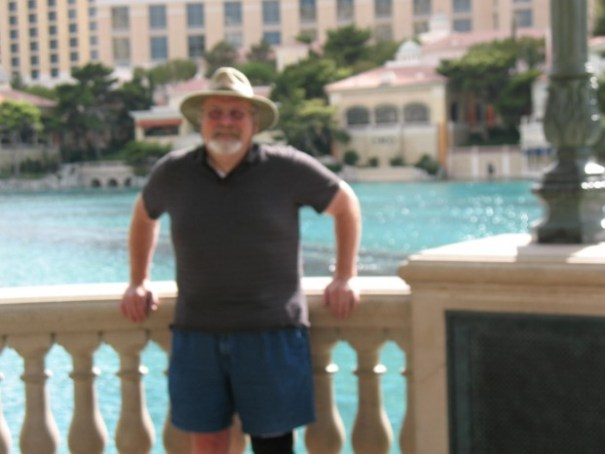 Blurry, grumpy old man at Bellagio fountains.